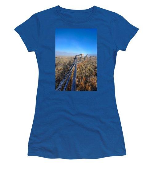 Pettit Fog Women's T-Shirt