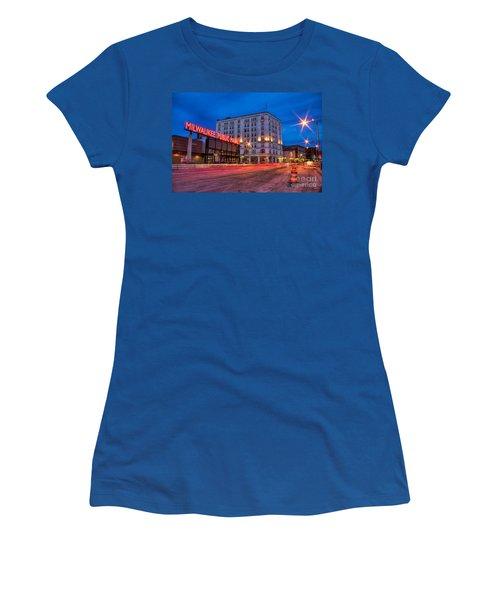 Public Market Zip Women's T-Shirt (Athletic Fit)