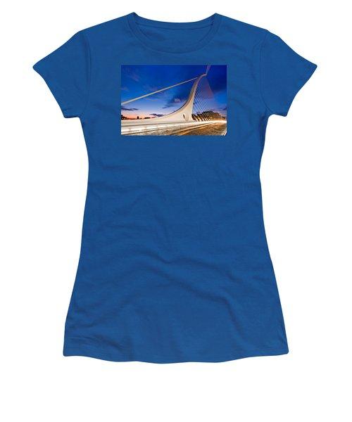 Women's T-Shirt featuring the photograph Samuel Beckett Bridge At Night / Dublin by Barry O Carroll