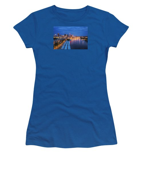 St Paul Skyline At Night Women's T-Shirt