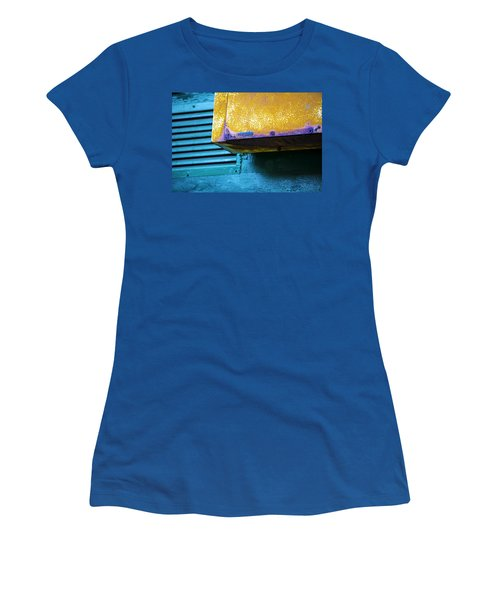 Yellow-blue Abstract Women's T-Shirt (Athletic Fit)
