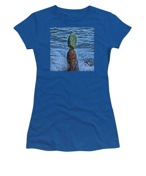 Balancing Women's T-Shirt