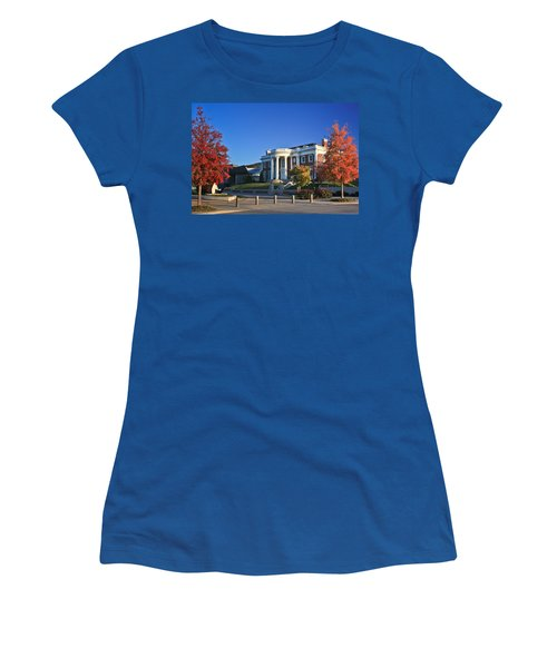Hunter Museum In Autumn Women's T-Shirt
