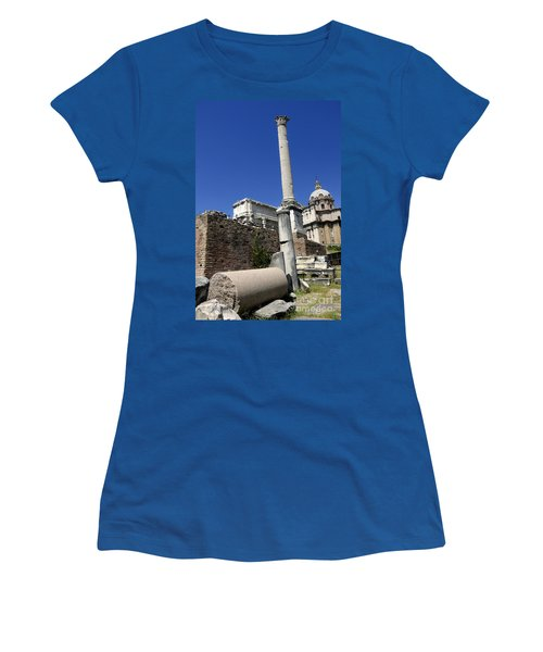 Rostra. Column Of Phocas And Septimius Severus Arch In The Roman Forum. Rome Women's T-Shirt