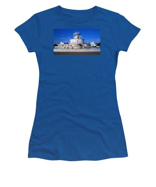 Women's T-Shirt (Junior Cut) featuring the photograph The Belle Isle Scott Fountain by Gordon Dean II