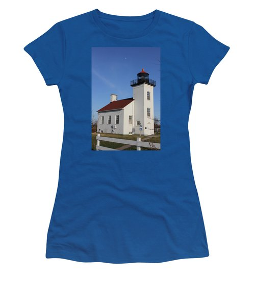 Sand Point Lighthouse Escanaba Women's T-Shirt