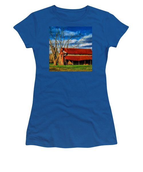 Red Roof Barn Women's T-Shirt (Athletic Fit)