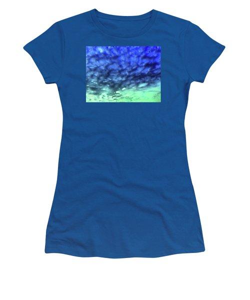 View 7 Women's T-Shirt