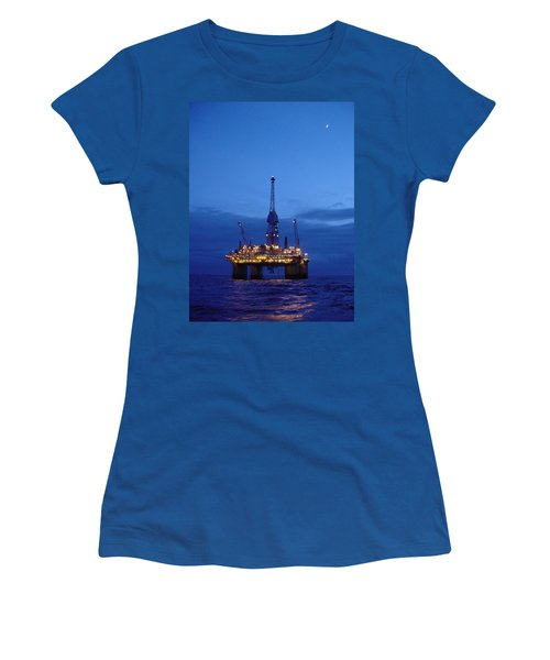 Visund In The Twilight Women's T-Shirt (Athletic Fit)