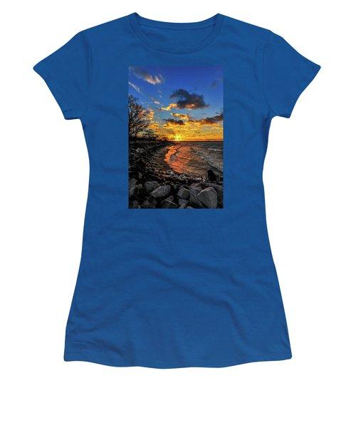Winter Sunset On A Chesapeake Bay Beach Women's T-Shirt