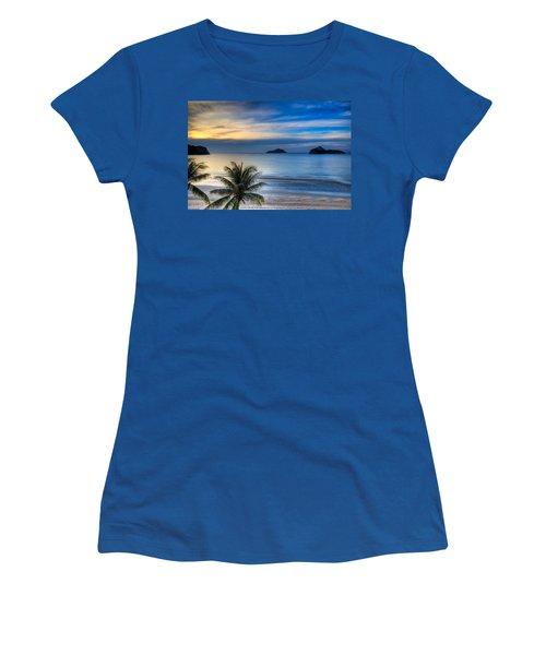Ao Manao Bay Women's T-Shirt (Junior Cut) by Adrian Evans