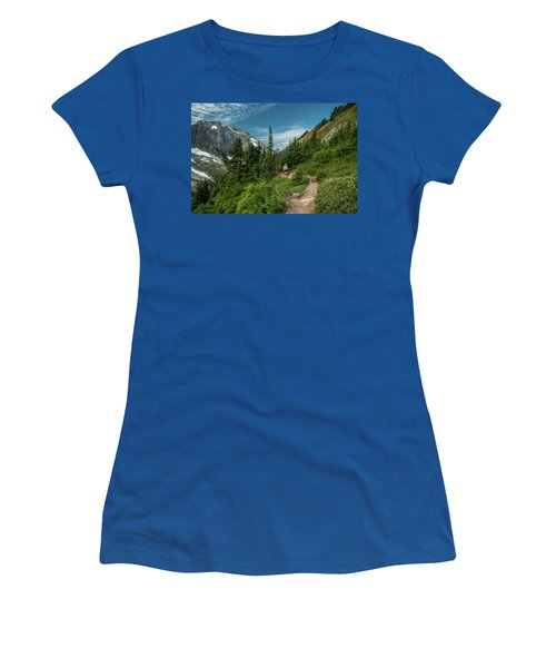 Approaching Sahale Arm Women's T-Shirt