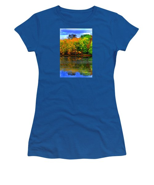 Autumn Sings Women's T-Shirt (Junior Cut) by Diane E Berry