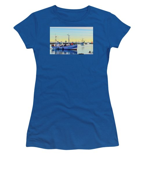 Bringing In The Day's Catch Women's T-Shirt