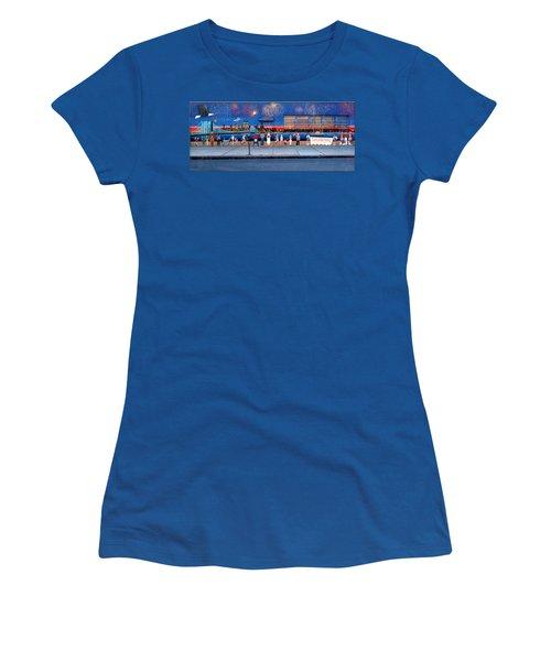 Brooklyn Bridge Fireworks Women's T-Shirt