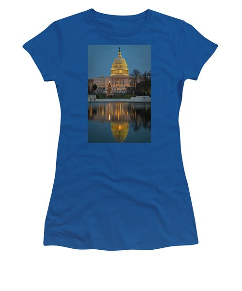 Capitol Reflection At Christmas Women's T-Shirt
