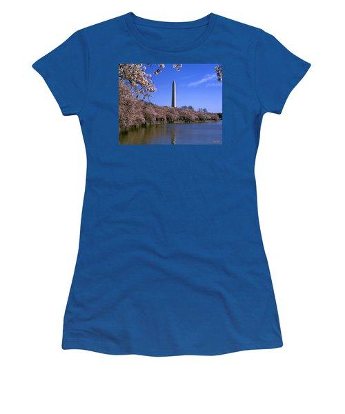 Cherry Blossoms On The Tidal Basin 15j Women's T-Shirt