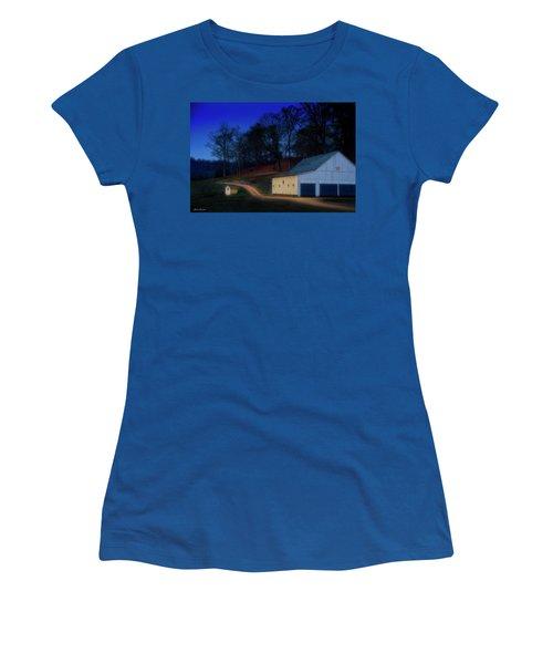 Christmas On The Farm Women's T-Shirt (Junior Cut) by Glenn Gemmell