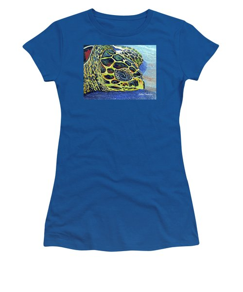 Close Up Of Kohilo Women's T-Shirt (Athletic Fit)