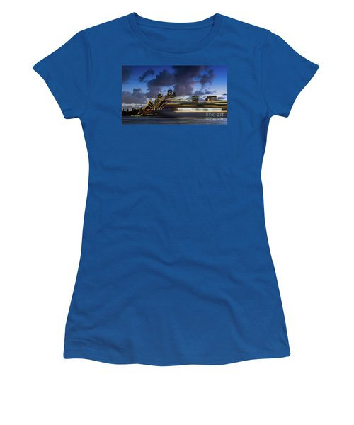 Cruise Ship Sydney Harbour Women's T-Shirt (Athletic Fit)