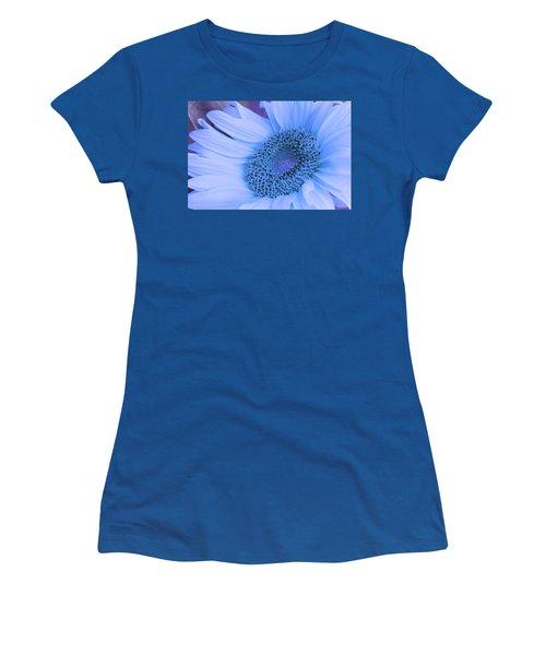 Daisy Blue Women's T-Shirt (Athletic Fit)