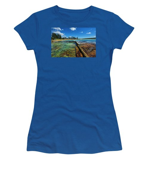 Dee Why Rock Pool Women's T-Shirt (Athletic Fit)