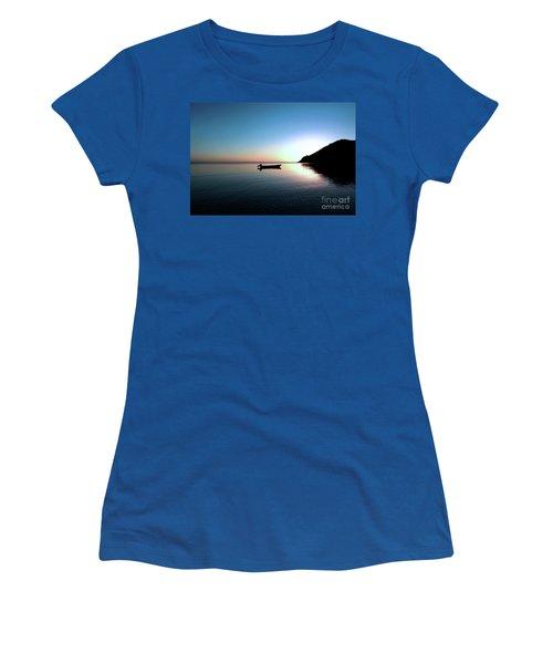 Dusk On The Island Of Korovou Fiji   Women's T-Shirt (Athletic Fit)