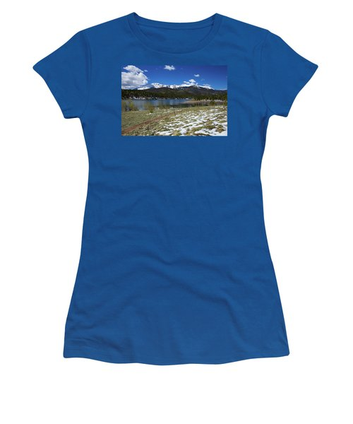 Fresh Snow Along The Banks Of Crystal Creek Reservoir With Pikes Women's T-Shirt