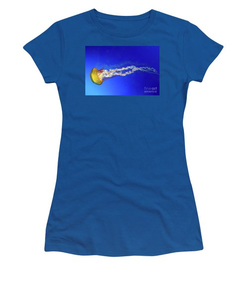 Japanese Sea Nettle Jellyfish Women's T-Shirt (Athletic Fit)