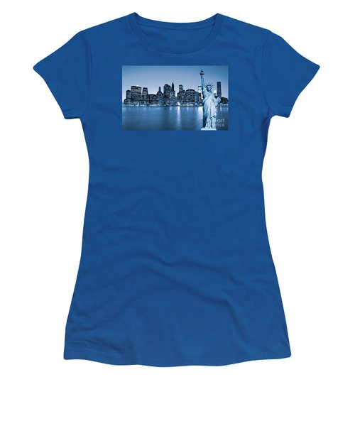 Manhattan Skyline Women's T-Shirt (Athletic Fit)
