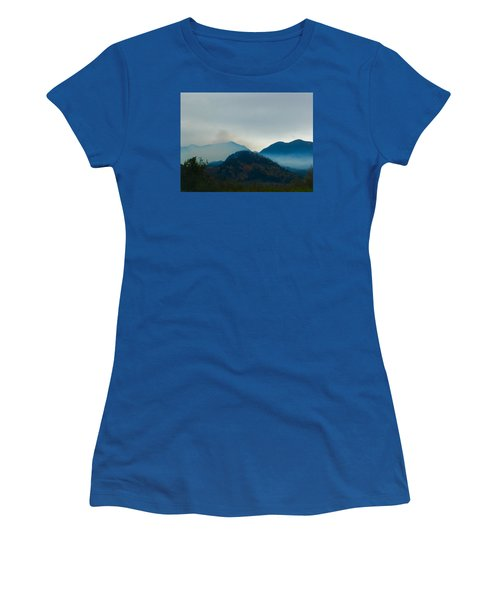 Montana Mountains Women's T-Shirt (Athletic Fit)