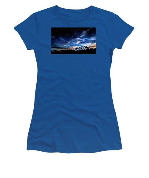 Moon Setting Behind Mt Rainier  Women's T-Shirt