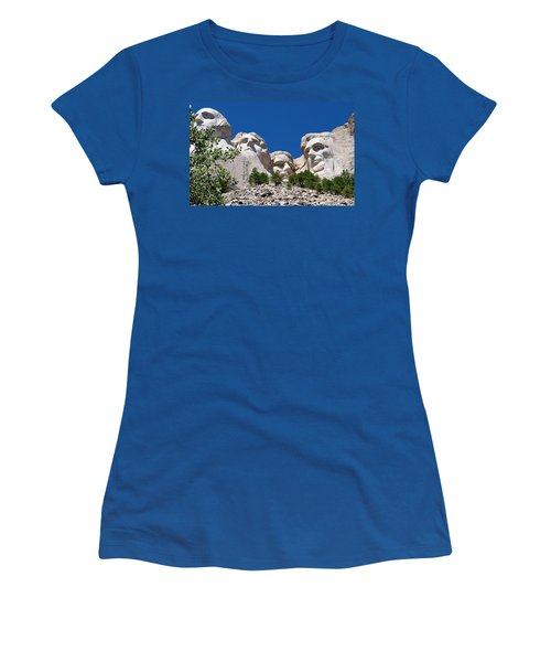 Mount Rushmore Close Up View Women's T-Shirt (Junior Cut)
