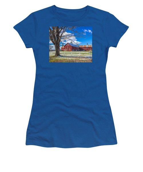 Mountain View Barn Women's T-Shirt