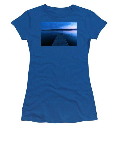 Springbrook Lake At Dawn Women's T-Shirt