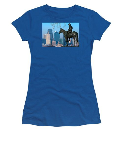 The Scout Statue Women's T-Shirt