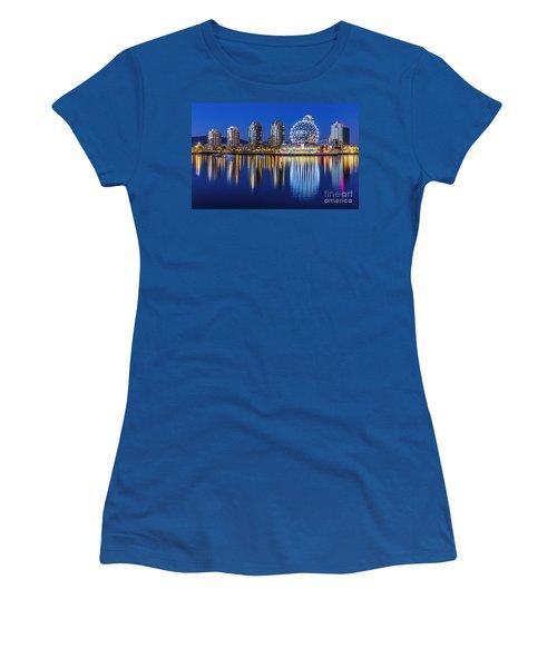 Yaletown Women's T-Shirt (Athletic Fit)