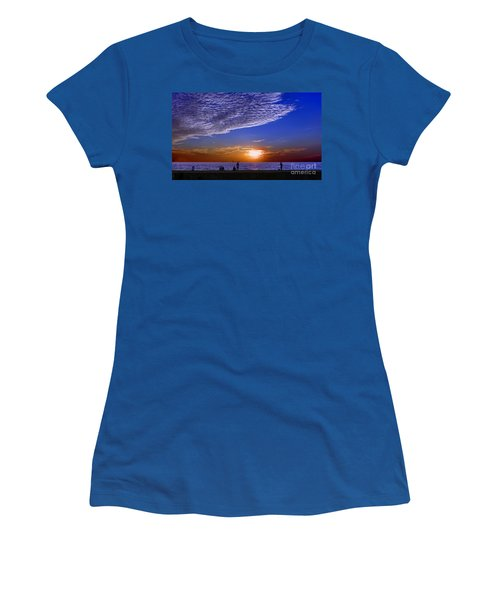 Beautiful Sunset With Ships And People Women's T-Shirt