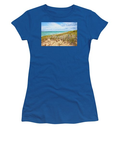 Lake Michigan Beachcombing Women's T-Shirt