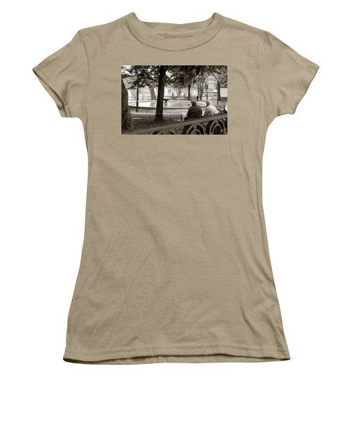 Women's T-Shirt (Junior Cut) featuring the photograph Friends At The Fountain by Lorraine Devon Wilke