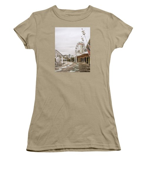 Women's T-Shirt (Junior Cut) featuring the photograph Walkway To The Arcade by Andy Crawford