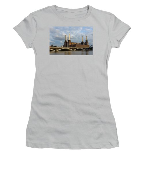 Battersea Power Station Women's T-Shirt (Athletic Fit)