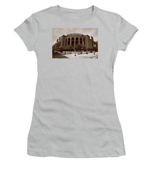 Busch Stadium - St. Louis Cardinals Women's T-Shirt (Athletic Fit)