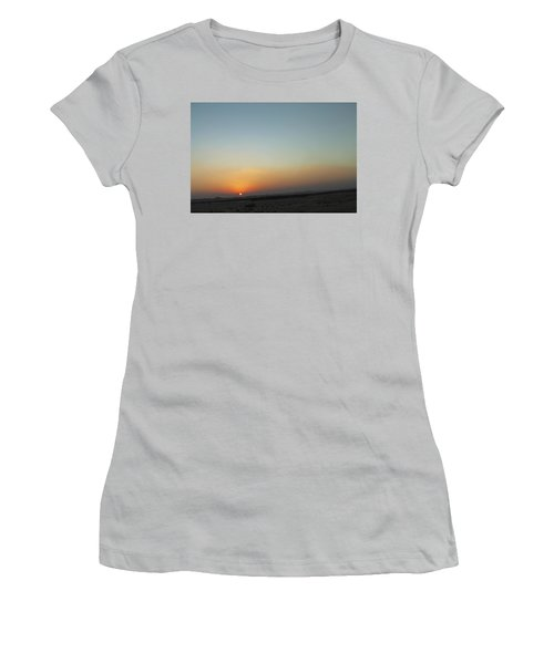 Al Ain Desert 2 Women's T-Shirt (Athletic Fit)