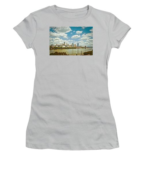 Cincinnati 4 Women's T-Shirt (Athletic Fit)