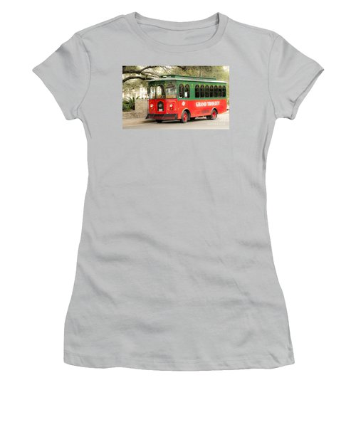 Dreaming Young Women's T-Shirt (Athletic Fit)