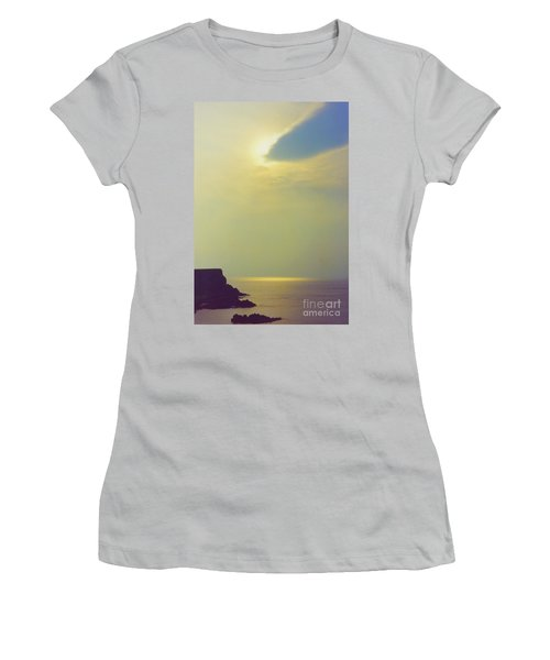 Ireland Giant's Causeway Ethereal Light Women's T-Shirt (Athletic Fit)