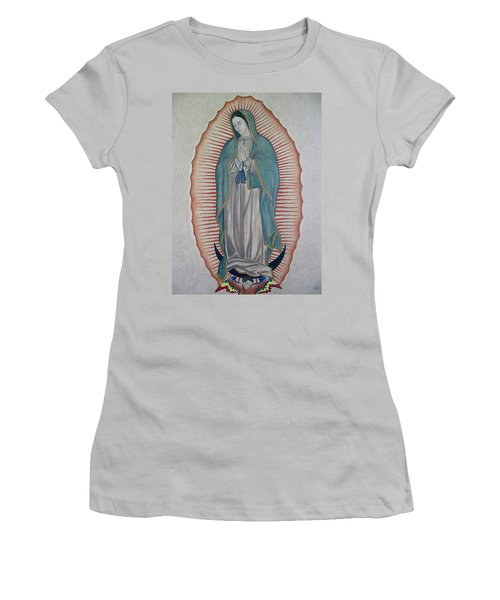 La Virgen De Guadalupe Women's T-Shirt (Athletic Fit)