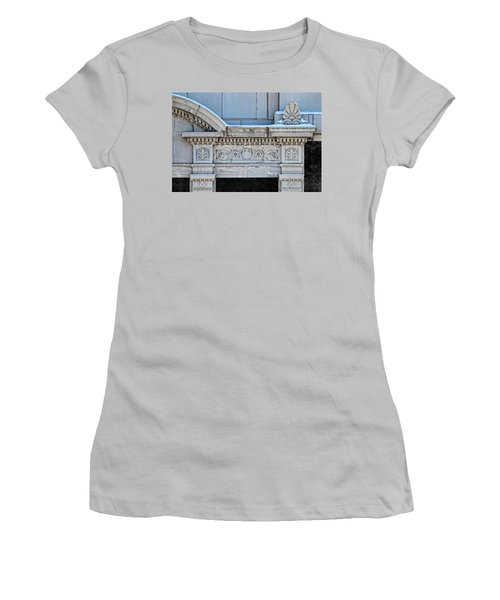 Lincoln County Courthouse Door Arch Women's T-Shirt (Athletic Fit)