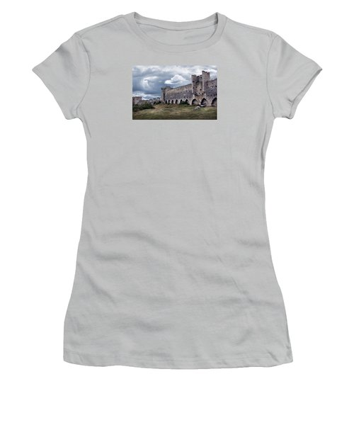 Medieval City Wall Defence Women's T-Shirt (Athletic Fit)